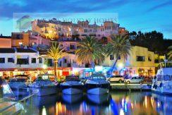 Lækker ferielejlighed i stueplan i Cabopino, Marbella.