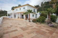 Villa med panoramisk havudsigt