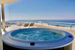 Enestående luksus penthouse med storslået udsigt.