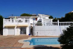 Lovely villa with seaviews
